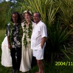 Newlyweds in front of the walking palm in front of Hedonisia